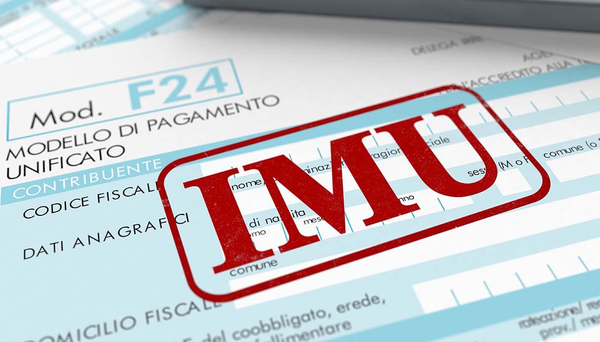 Agevolazioni IMU per immobili in comodato: è necessaria la registrazione del contratto