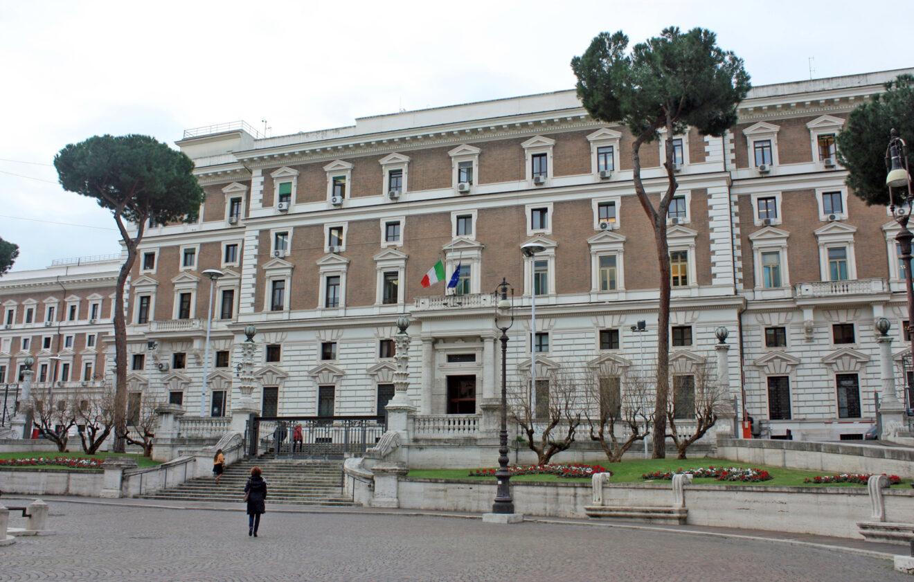 Ministero dell'Interno: le riunioni degli organi collegiali degli Enti locali si possono tenere in presenza