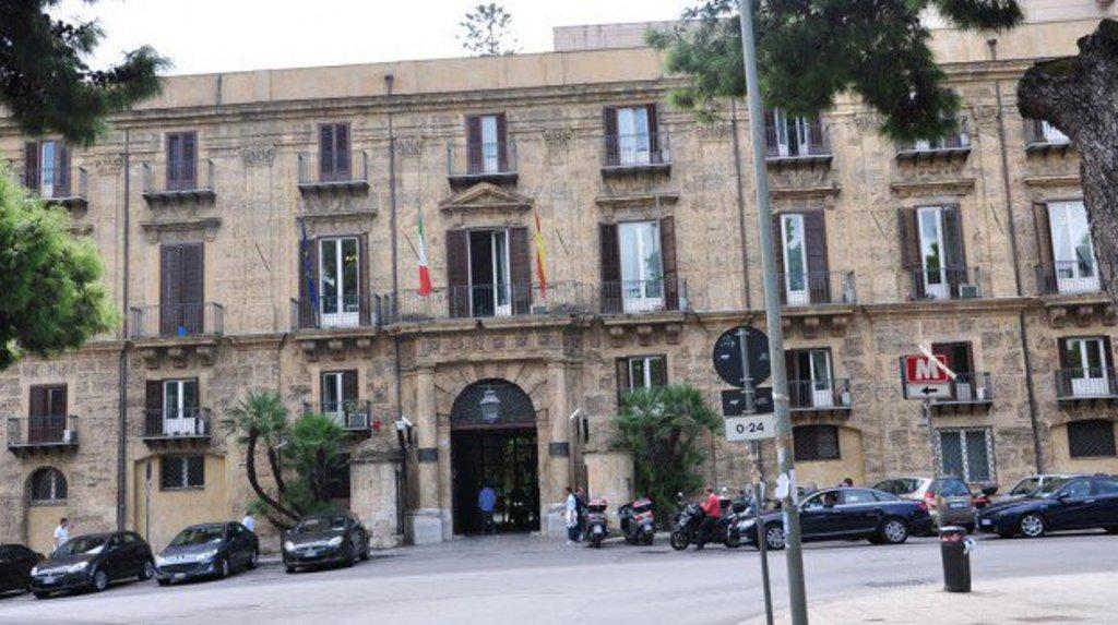La disciplina dell'anomalia dell'offerta: le semplificazioni al Codice vanificate dalle complicazioni della normativa speciale della Regione siciliana.