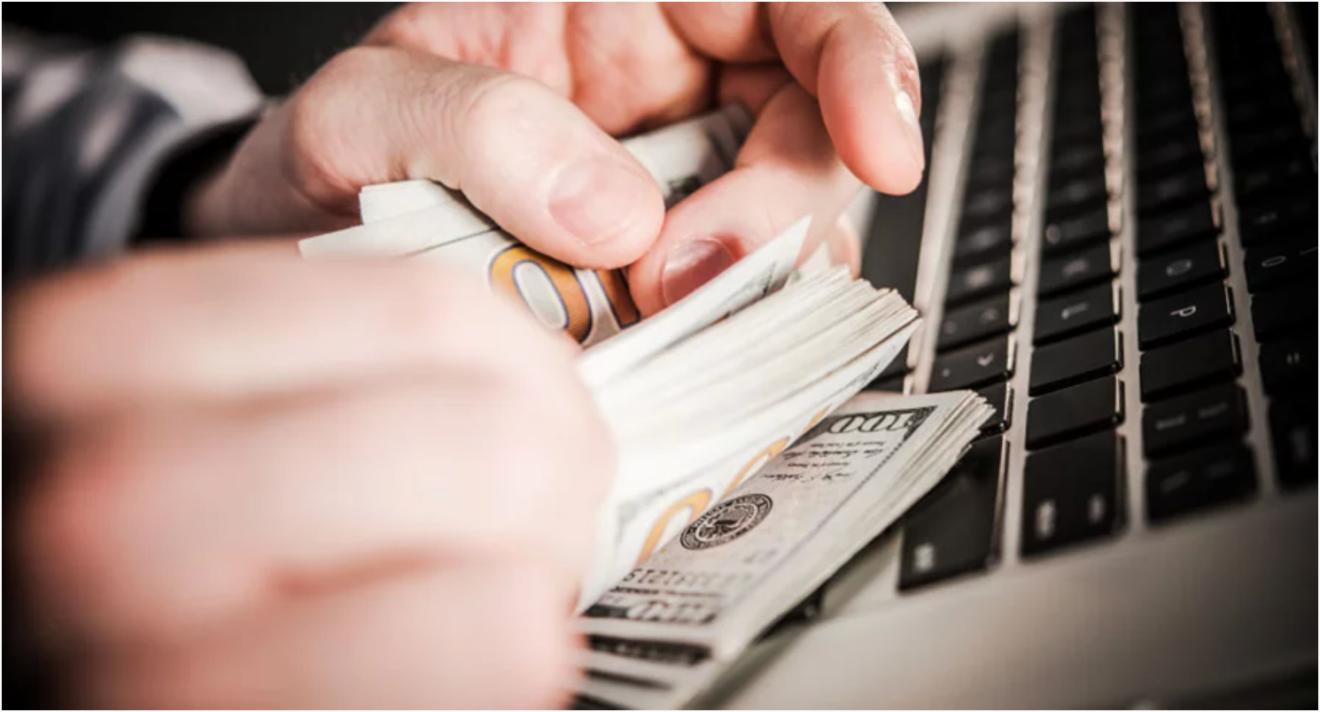 Commette peculato il dipendente che trattiene le somme che avrebbe dovuto versare nelle casse della P.A.